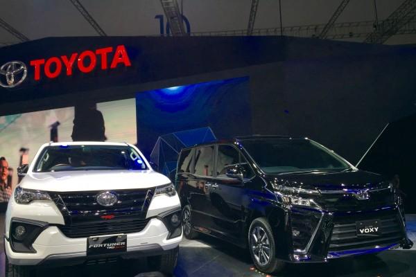 Toyota Fortuner TRD Sportivo 2017 ra mắt Đông Nam Á với giá từ 897 triệu Đồng - Ảnh 1.