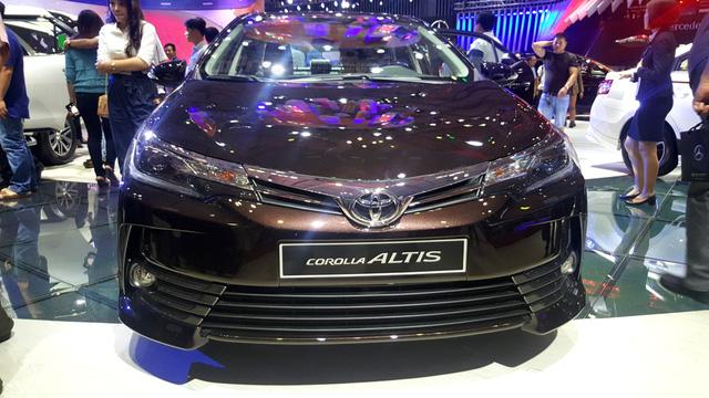 Toyota Corolla Altis 2017 vừa ra mắt Việt Nam có phiên bản đặc biệt mới - Ảnh 8.