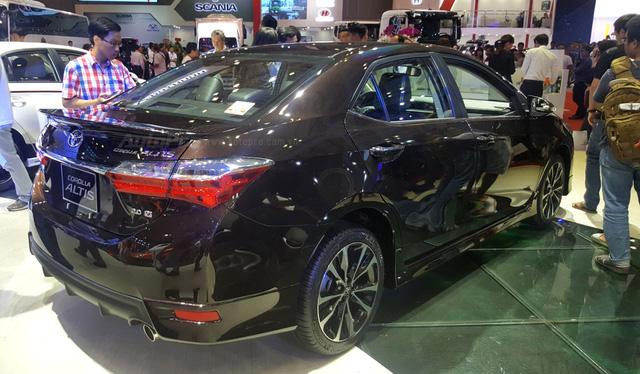 Toyota Corolla Altis 2017 vừa ra mắt Việt Nam có phiên bản đặc biệt mới - Ảnh 9.