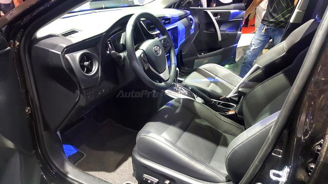 Toyota Corolla Altis 2017 vừa ra mắt Việt Nam có phiên bản đặc biệt mới - Ảnh 10.