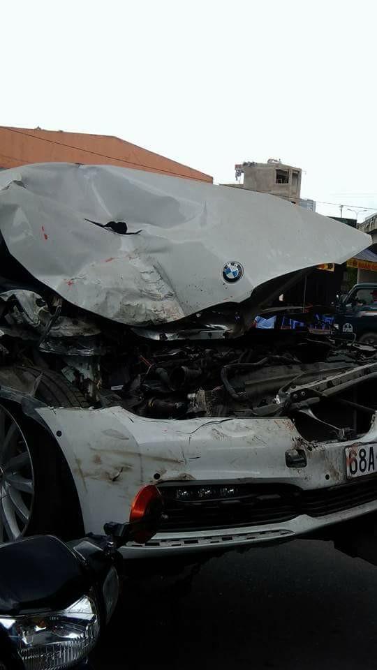 Cư dân mạng xót xa với cảnh BMW 7-Series đeo biển Kiên Giang nát đầu, phủ đầy bụi được kéo trên đường - Ảnh 2.