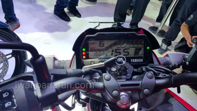 Xe côn tay Yamaha V-Ixion R 2017 bắt đầu được bày bán với giá từ 49 triệu Đồng - Ảnh 3.