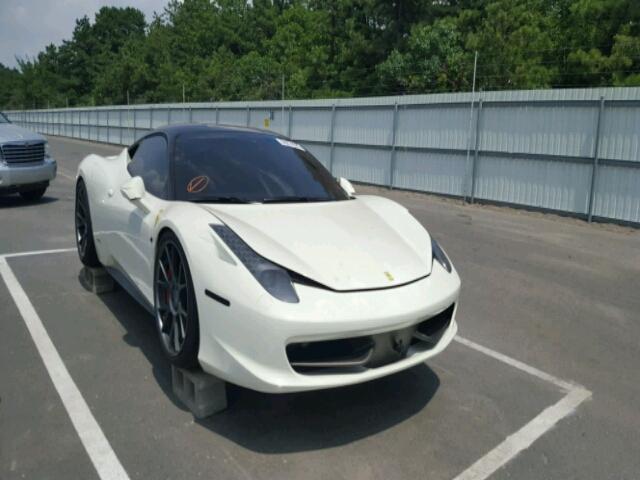 Siêu xe Ferrari 458 Italia ngập nước vẫn được trả giá cao - Ảnh 1.