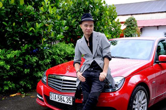 Nhà thiết kế Đỗ Mạnh Cường tậu xe sang Mercedes-Benz S400L tiền tỷ - Ảnh 2.