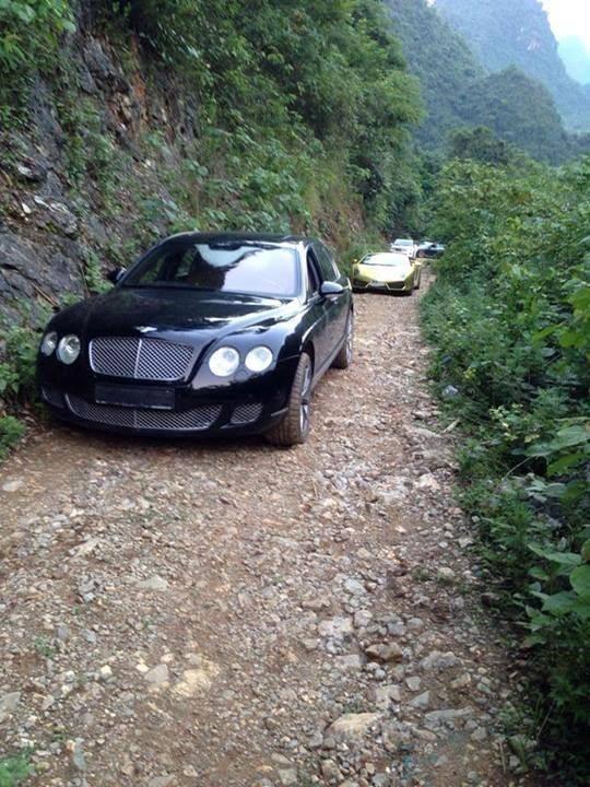 Xem cảnh siêu xe Lamborghini Huracan chật vật vượt qua con đường đất gập ghềnh - Ảnh 6.