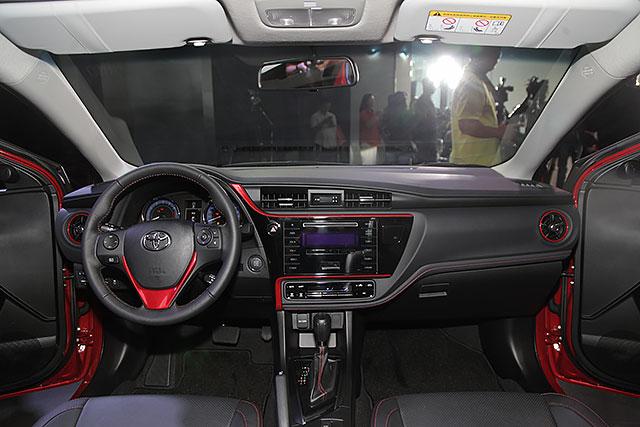 Diện kiến Toyota Corolla Altis 2017 với thiết kế khác xe mới ra mắt Việt Nam - Ảnh 10.