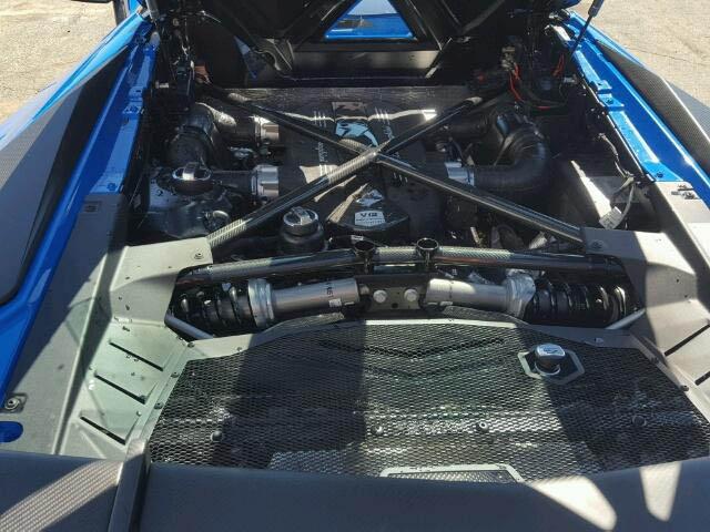 Siêu bò Lamborghini Aventador SV Roadster mới chạy hơn 100 km đã gặp nạn - Ảnh 5.