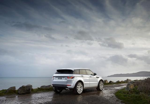 Bán chậm, Range Rover Evoque 3 cửa lặng lẽ bị khai tử - Ảnh 2.