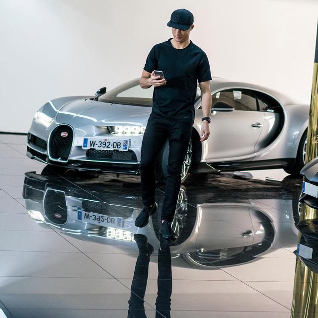 Cristiano Ronaldo tậu siêu xe hàng hiếm Ferrari F12tdf - Ảnh 5.