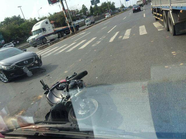 Lâm Đồng: Ôm cua quá đà, biker cùng chiếc Kawasaki Z1000 lao xuống bãi cỏ trên đèo Bảo Lộc - Ảnh 2.