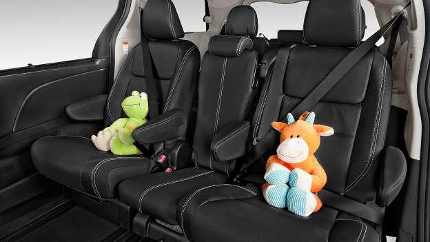 Chiếc xe gia đình nào khiến con bạn mê nhất? - Ảnh 13.