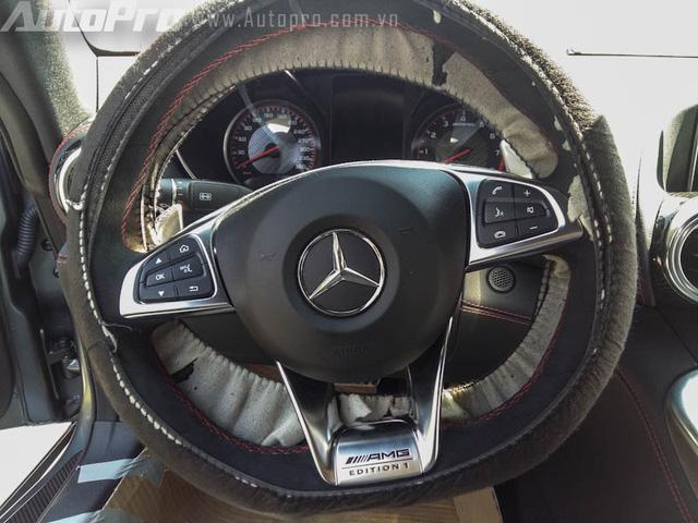 Bộ đôi siêu xe Mercedes-Benz hàng hiếm của đại gia Trung Nguyên cùng nhau đọ dáng - Ảnh 11.