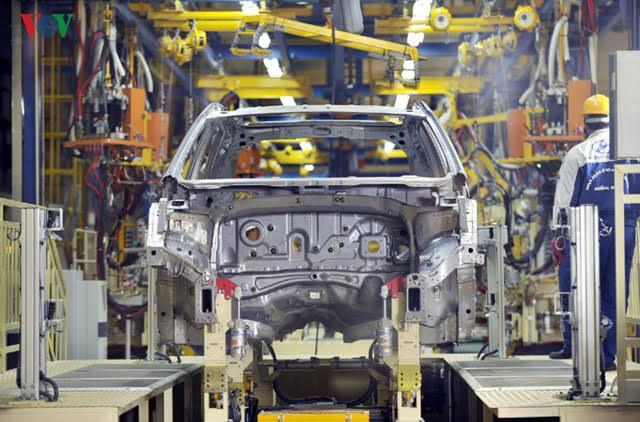 Ô tô nội địa giảm giá trăm triệu: Đón thời điểm quyết mua xe - Ảnh 2.