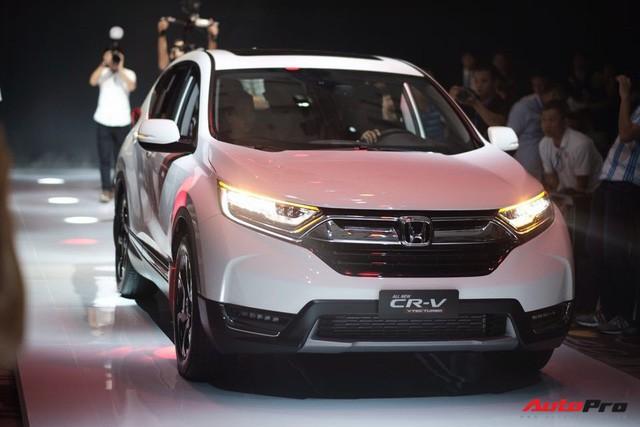 Giá lăn bánh ước tính của Honda CR-V 2018 tại Việt Nam - Ảnh 1.