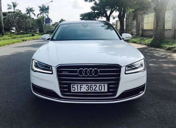 Sedan hạng sang Audi A8L cũ rao bán lại giá 3,8 tỷ đồng tại Sài Gòn - Ảnh 2.