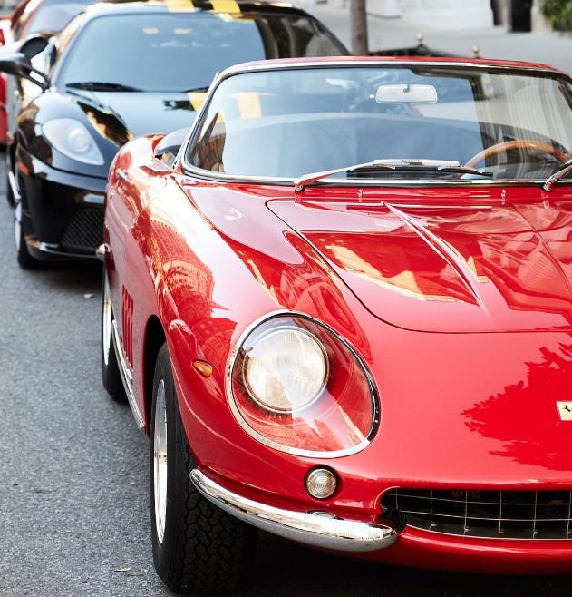 Ralph Lauren trưng bày bộ 3 siêu xe Ferrari hàng hiếm tại kinh đô thời trang của thế giới - Ảnh 3.