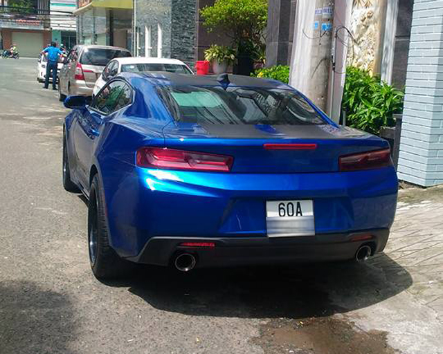 Tay chơi Đồng Nai tậu Chevrolet Camaro 2017 trị giá 2,7 tỷ Đồng - Ảnh 2.