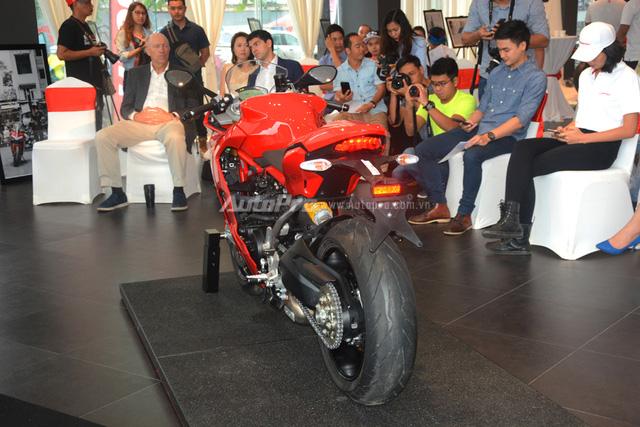 Cận cảnh Ducati SuperSport 2017 phiên bản S có giá 571 triệu Đồng - Ảnh 13.