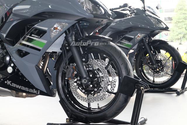 Kawasaki Ninja 650 2018 với màu sơn mới xuất hiện tại Việt Nam, giá bán 288 triệu Đồng - Ảnh 13.