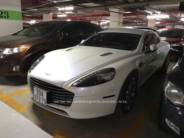 Aston Martin Rapide S của tay chơi Ninh Bình bị công an tạm giữ vì sử dụng biển giả - Ảnh 3.