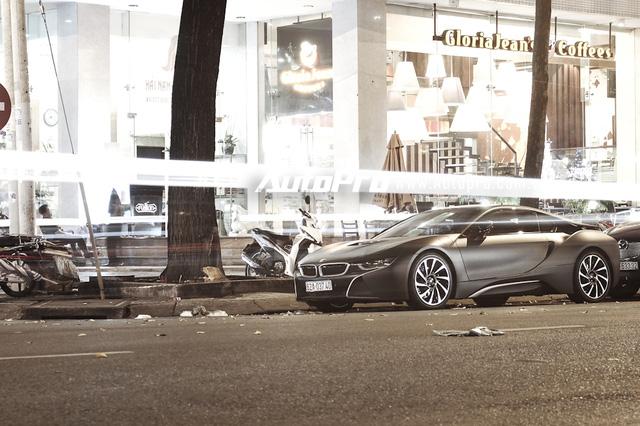 Bộ sưu tập BMW i8 đình đám của các thiếu gia miền Tây sông nước - Ảnh 1.