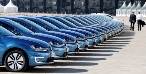 Tesla nướng hàng tỷ đô vào ô tô điện mà không kiếm được 1 xu nhưng vẫn khiến các hãng xe muốn học theo - Ảnh 3.