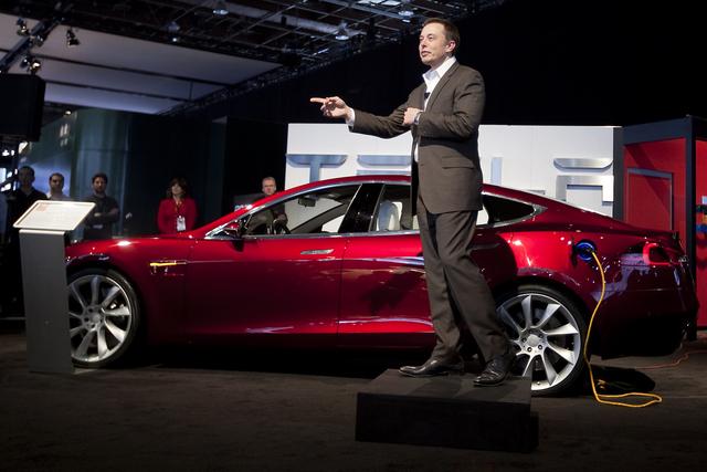Tesla nướng hàng tỷ đô vào ô tô điện mà không kiếm được 1 xu nhưng vẫn khiến các hãng xe muốn học theo - Ảnh 1.