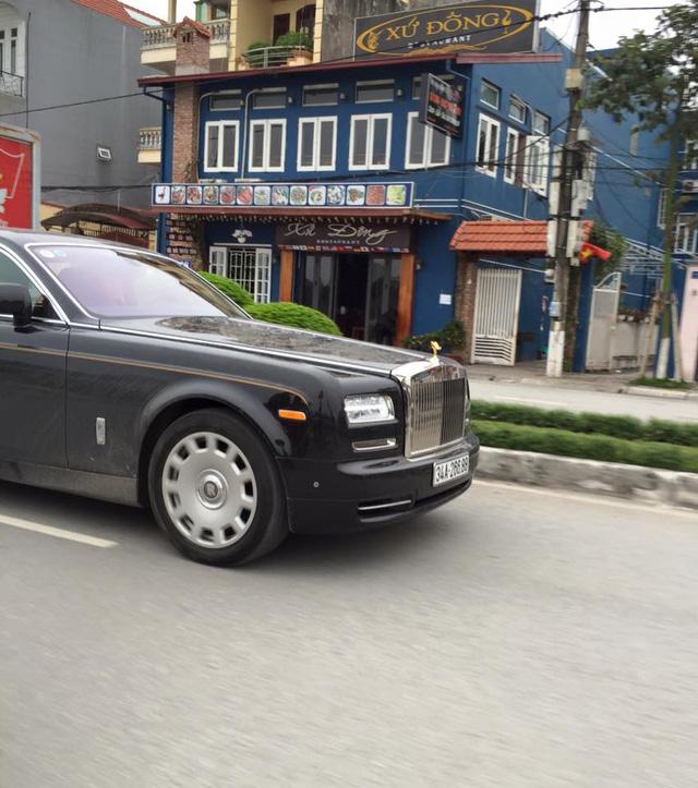 Rolls-Royce Phantom EWB Series II 28 tỷ Đồng làm xe rước dâu tại Hải Dương - Ảnh 4.