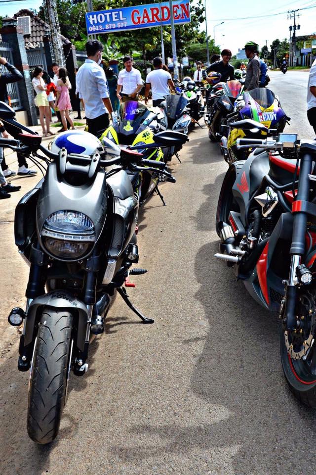 Vespa cổ cùng 15 chiếc mô tô khủng rước dâu tại Đồng Nai - Ảnh 10.