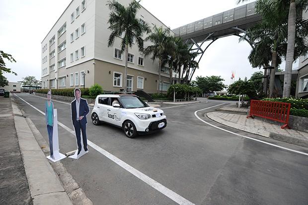 Thử nghiệm xe tự lái made in Vietnam: Tránh chướng ngại vật ở 20km/h, tự đi thẳng ở 40km/h - Ảnh 5.