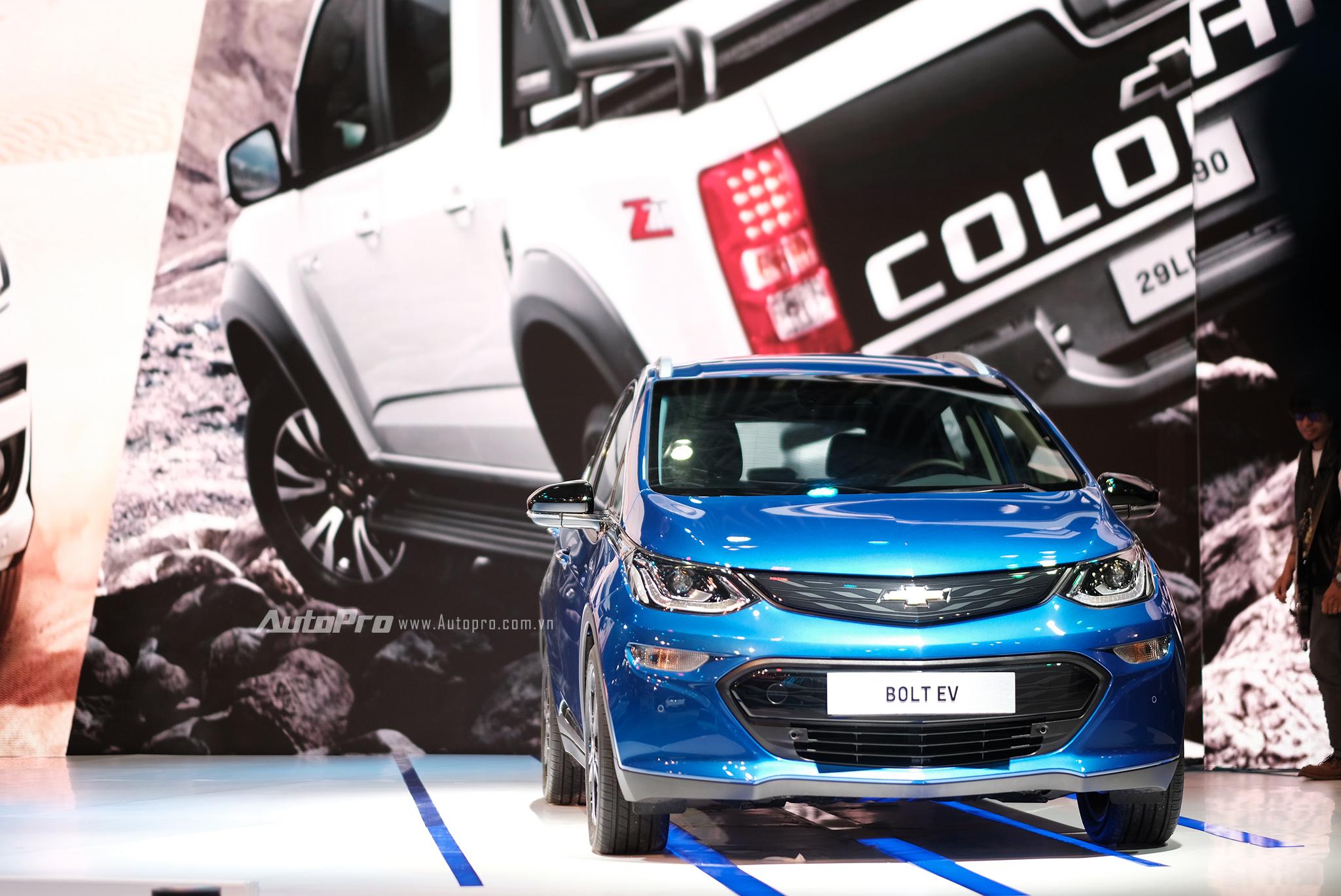 Khám phá xe xanh Chevrolet Bolt EV - Ảnh 1.
