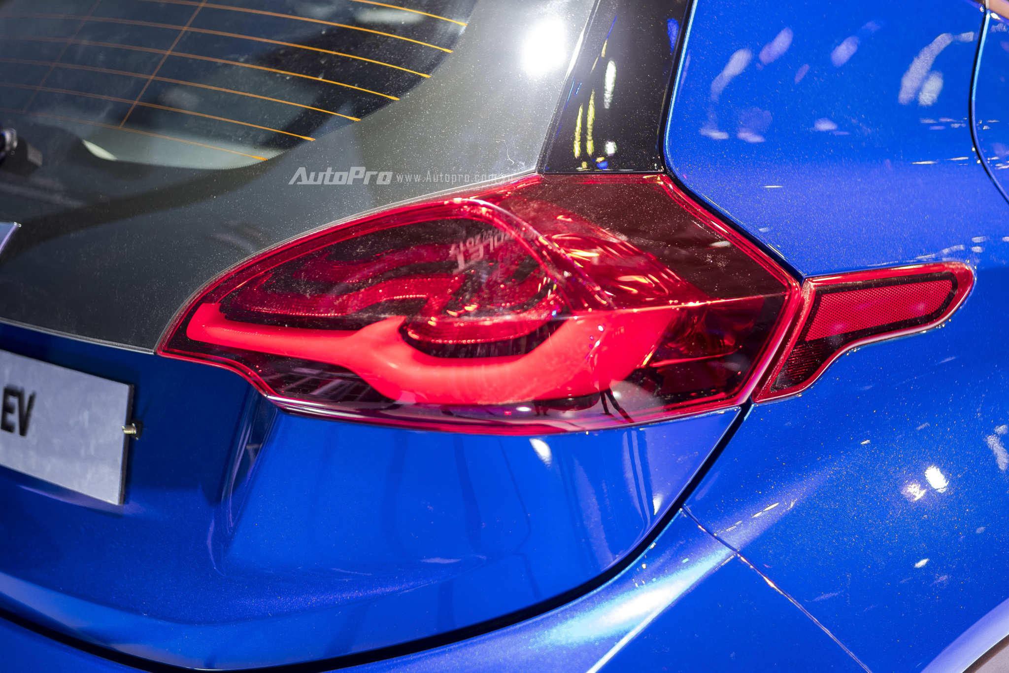 Khám phá xe xanh Chevrolet Bolt EV - Ảnh 6.