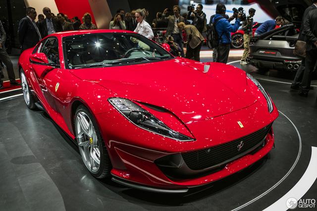 Mô hình 1:2 của siêu xe Ferrari 812 Superfast có giá bán 16,3 tỷ Đồng - Ảnh 3.