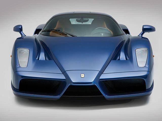 Ferrari Enzo màu cực độc chuẩn bị cho lên sàn - Ảnh 2.