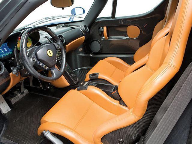 Ferrari Enzo màu cực độc chuẩn bị cho lên sàn - Ảnh 4.