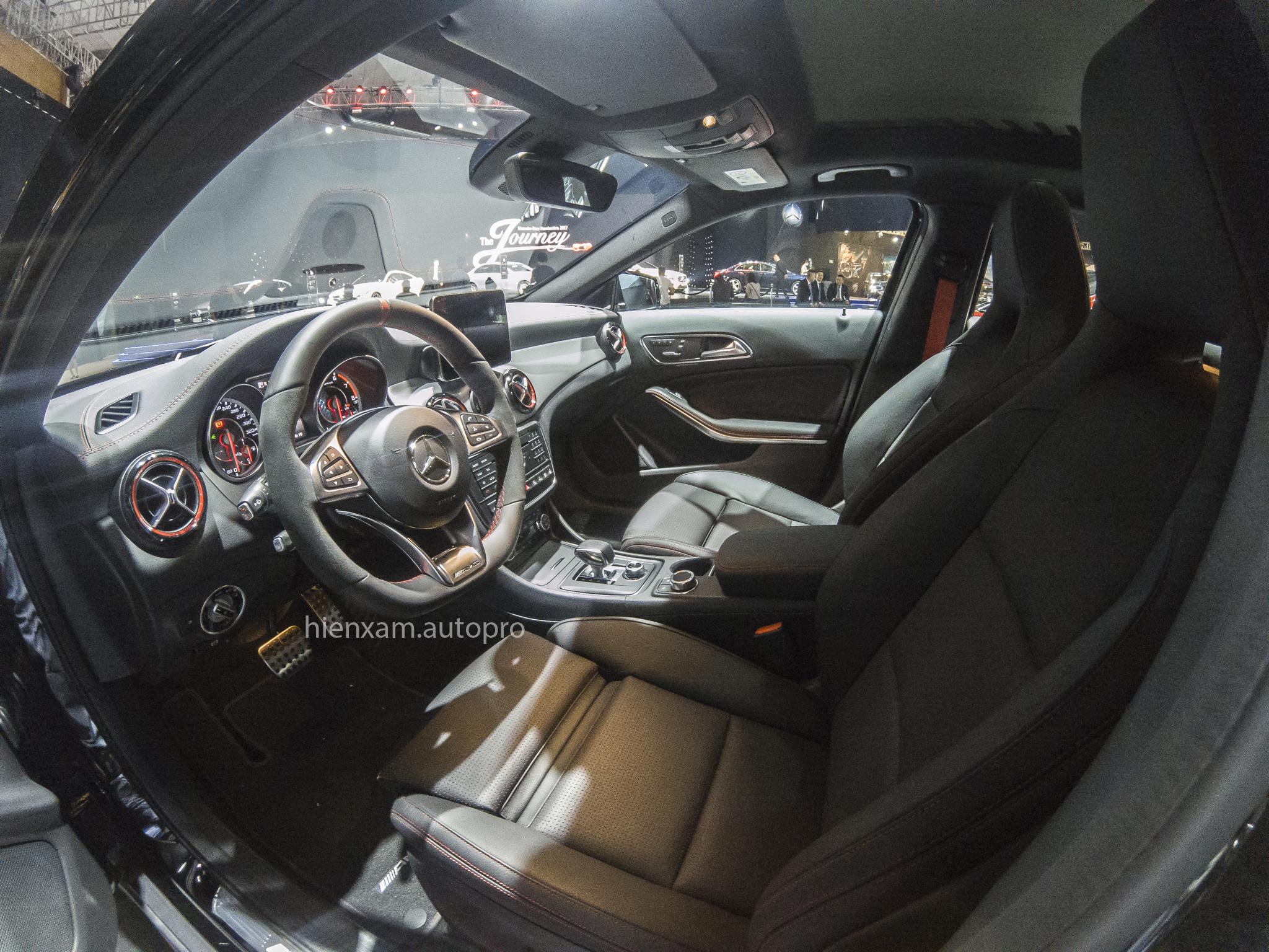 Cận cảnh Mercedes-Benz GLA 45 AMG giá 2,279 tỉ đồng - Ảnh 10.