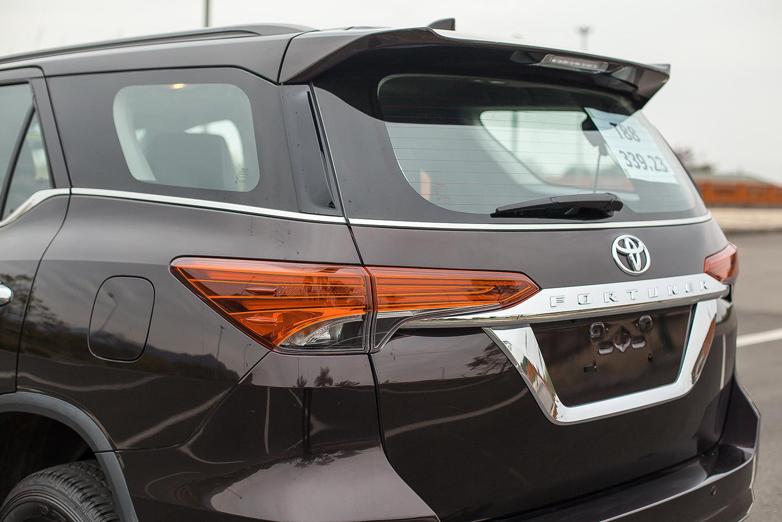 Toyota Fortuner 2017: Như hổ thêm cánh - Ảnh 7.