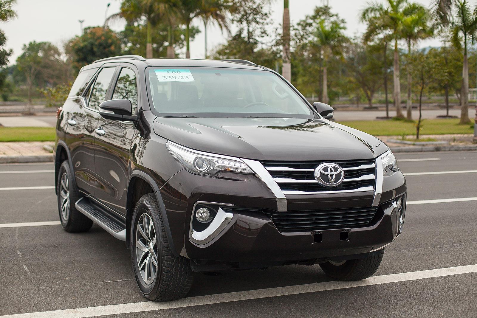 Toyota Fortuner 2017: Như hổ thêm cánh - Ảnh 3.