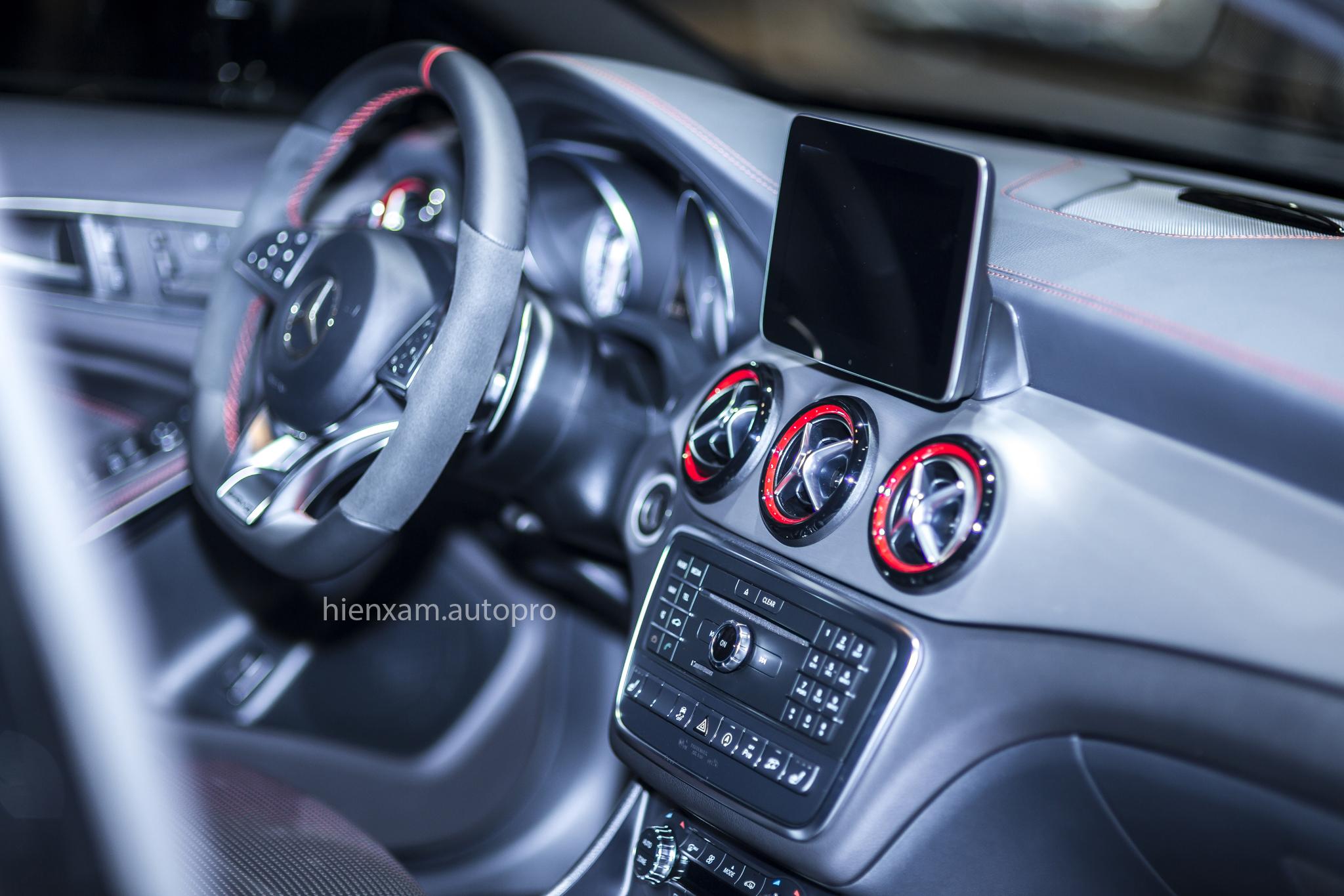 Cận cảnh Mercedes-Benz GLA 45 AMG giá 2,279 tỉ đồng - Ảnh 7.