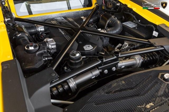 Siêu xe hàng hiếm Lamborghini Aventador SV 2017 rao bán 12,7 tỷ Đồng - Ảnh 15.