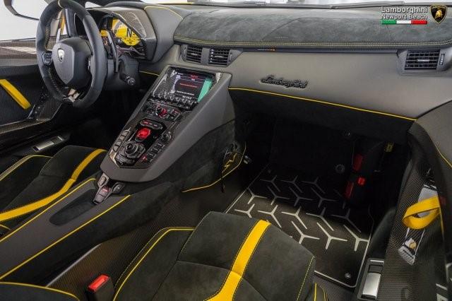 Siêu xe hàng hiếm Lamborghini Aventador SV 2017 rao bán 12,7 tỷ Đồng - Ảnh 11.