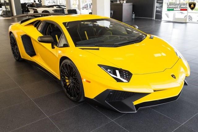 Siêu xe hàng hiếm Lamborghini Aventador SV 2017 rao bán 12,7 tỷ Đồng - Ảnh 2.