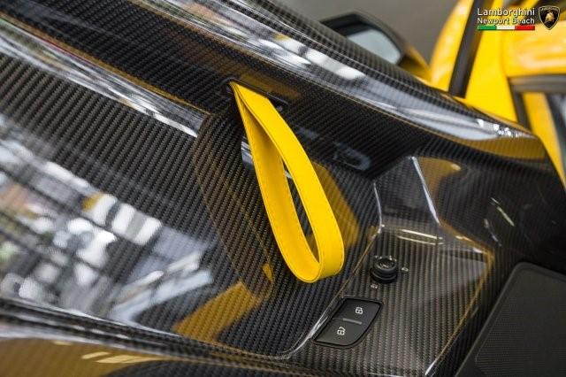 Siêu xe hàng hiếm Lamborghini Aventador SV 2017 rao bán 12,7 tỷ Đồng - Ảnh 12.
