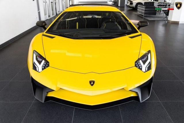 Siêu xe hàng hiếm Lamborghini Aventador SV 2017 rao bán 12,7 tỷ Đồng - Ảnh 1.