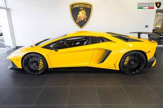 Siêu xe hàng hiếm Lamborghini Aventador SV 2017 rao bán 12,7 tỷ Đồng - Ảnh 4.