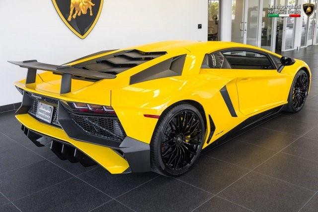 Siêu xe hàng hiếm Lamborghini Aventador SV 2017 rao bán 12,7 tỷ Đồng - Ảnh 6.
