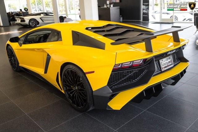 Siêu xe hàng hiếm Lamborghini Aventador SV 2017 rao bán 12,7 tỷ Đồng - Ảnh 5.