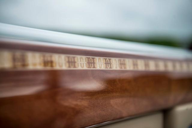 """[Cực hot] Rolls-Royce Phantom """"Hòa Bình & Vinh Quang"""" lần đầu lăn bánh tại Hà Nội - Ảnh 9."""