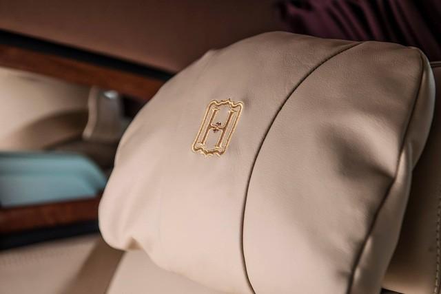 """[Cực hot] Rolls-Royce Phantom """"Hòa Bình & Vinh Quang"""" lần đầu lăn bánh tại Hà Nội - Ảnh 8."""