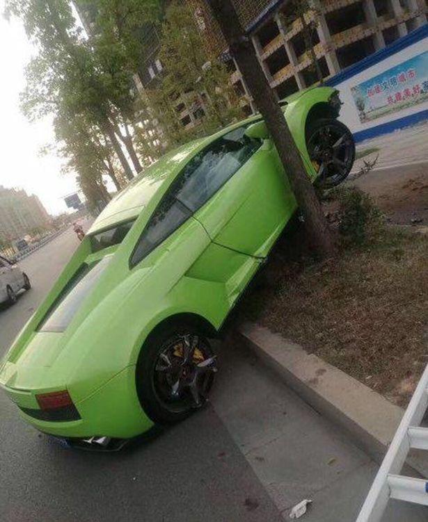Lấy le với cô gái gặp trong quán bar, nam thanh niên lái siêu xe Lamborghini Gallardo thuê gây tai nạn kinh hoàng - Ảnh 3.